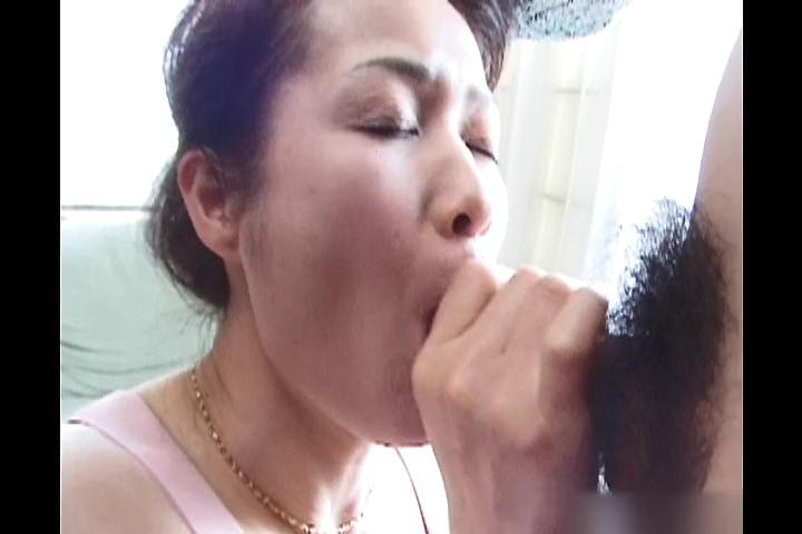絶頂盛りな肉欲熟女._snapshot_00.11.16_[2018.09.07_10.40.50].jpg